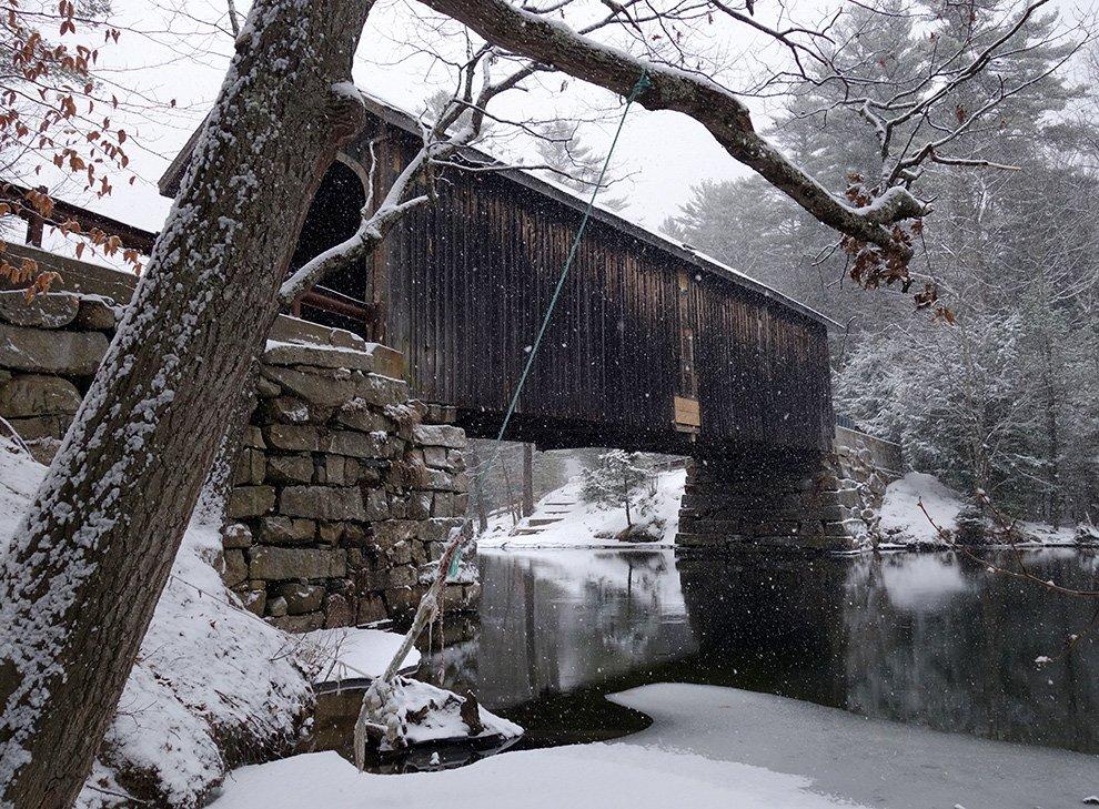 Ayumi-Horie_Babbs_covered-bridge