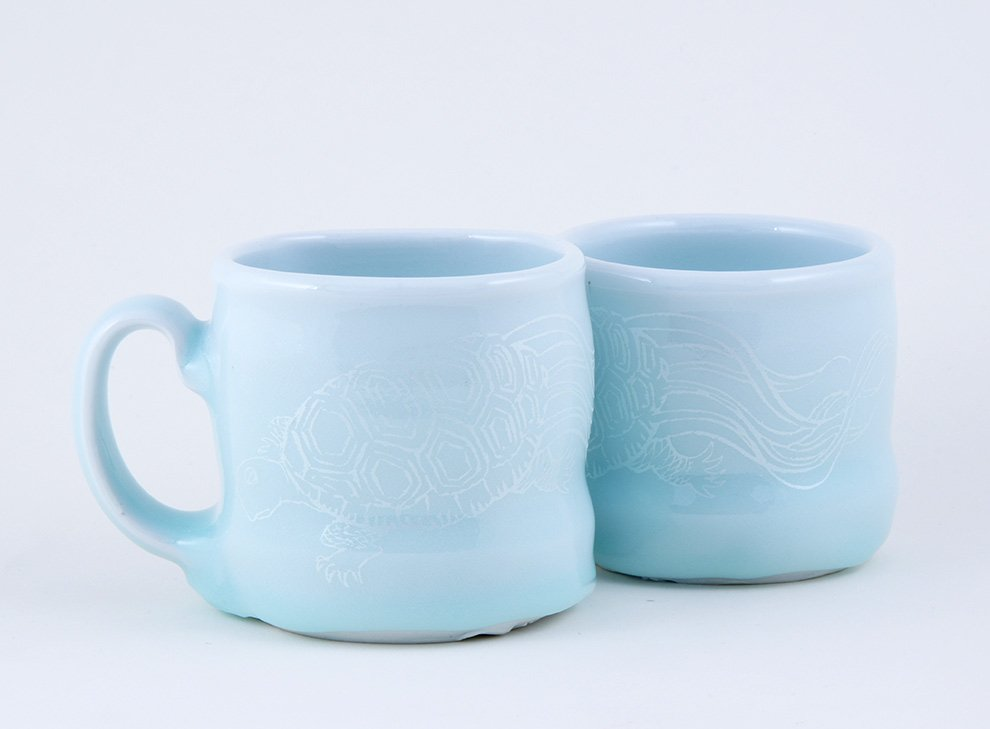 Ayumi_Horie_celadon_minogame_cups