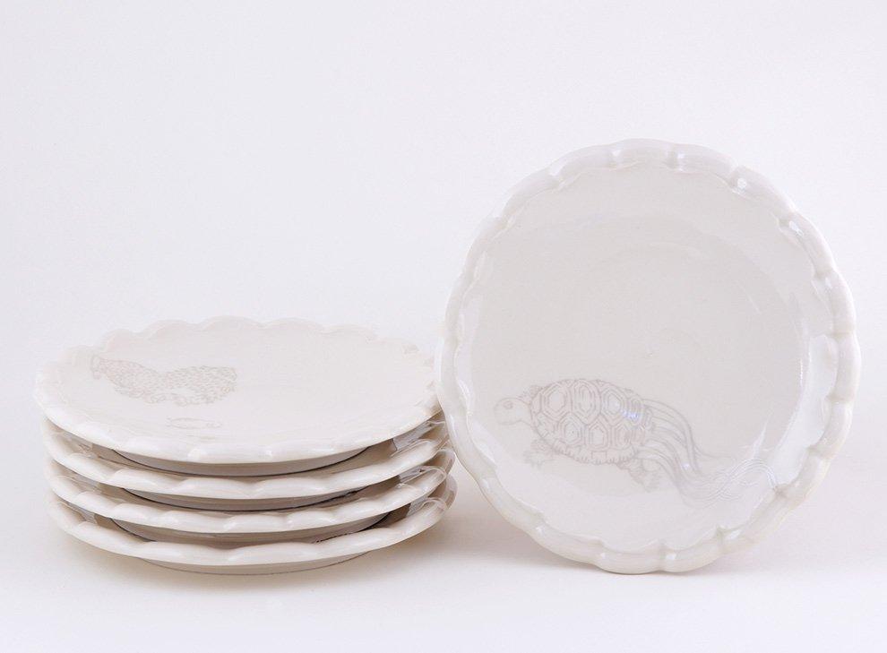 Ayumi_Horie_white_plate_set